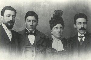 Ricard Viñes amb la seva mare i els seus germans, Pepe i Eugenio