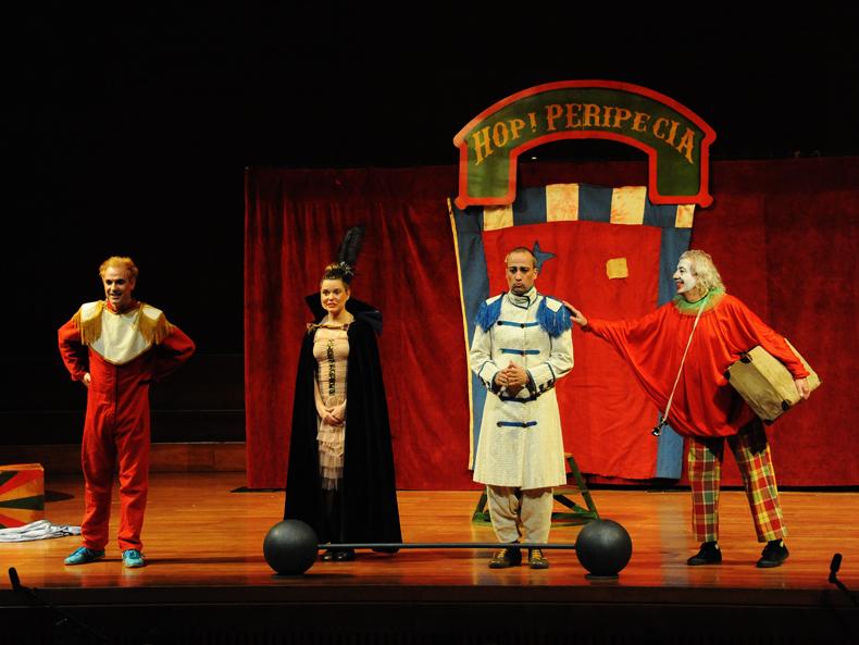 HOP PERIPÈCIA! Aula Municipal de Teatre