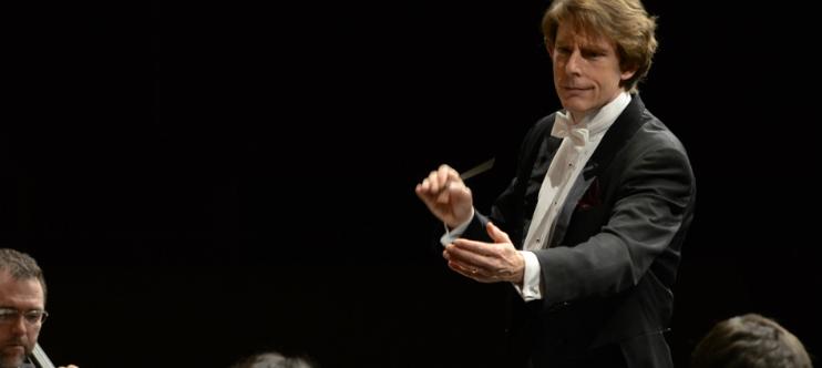 FESTIVAL DE VALSOS I DANSES. Concierto de valses, danzas i villancicos. Las mejores obras de la familia Strauss.